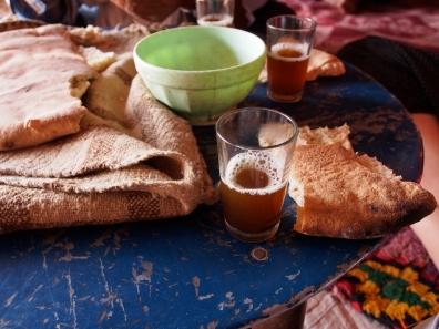 Brot und Tee